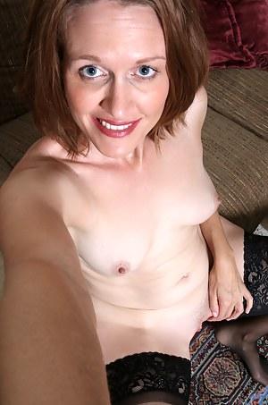XXX Mature Selfshot Porn Pictures