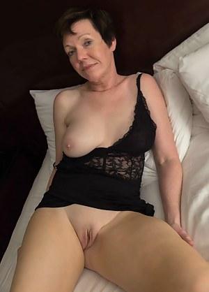 XXX Mature Women Porn Pictures