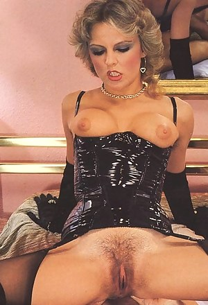 XXX Mature Retro Porn Pictures