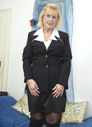 XXX Mature Uniform Porn Pictures