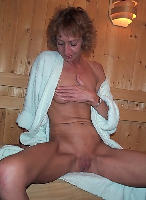 XXX Mature Sauna Porn Pictures
