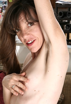XXX Hairy Mature Porn Pictures
