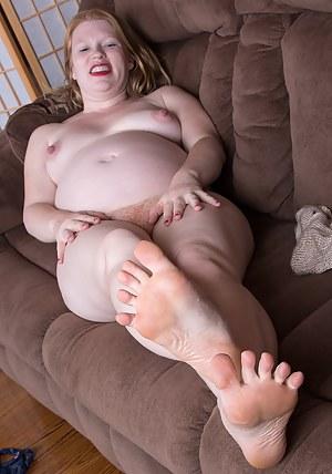XXX Pregnant Mature Porn Pictures