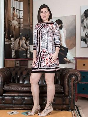 XXX Mature Dress Porn Pictures