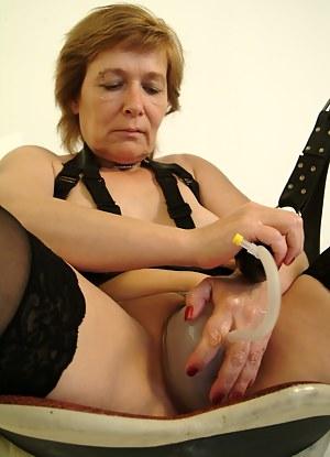 XXX Mature Sex Toys Porn Pictures