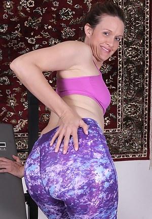 XXX Mature Spandex Porn Pictures