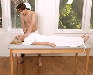 XXX Mature Massage Porn Pictures