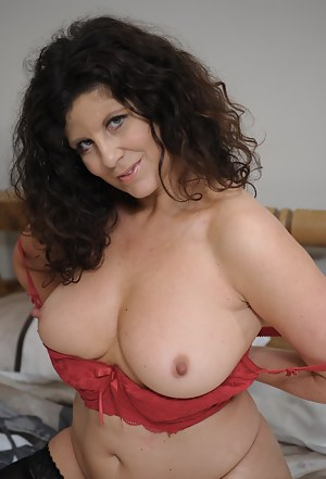 XXX Chubby Mature Porn Pictures